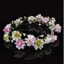 Dama pelo coronita de flores blanco/rosa 53 cm largo